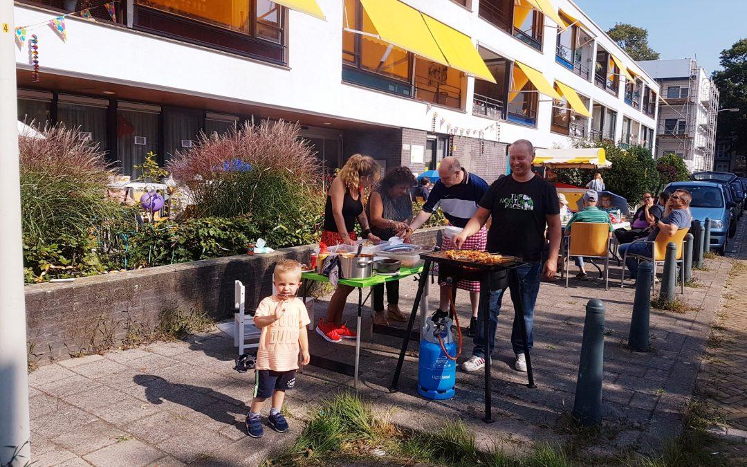 Liefste straat van Den Haag de Schermerstraat organiseert een straatfeest voor jong en oud